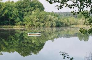 lake_boat